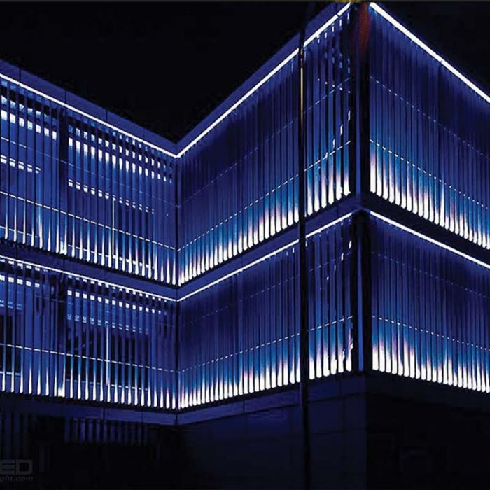 کاربرد چراغ استخری خطی پایه دار LED ضد آب ۶ وات مدل BN1